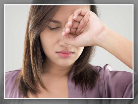 Đục thủy tinh thể thường gây mắt mờ một bên trước